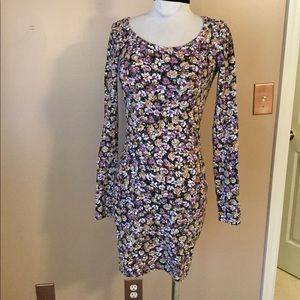 Billabong long sleeve floral Bodycon mini dress MD